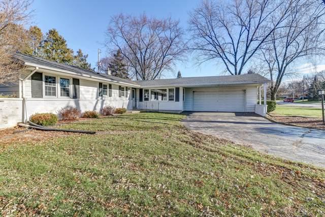 11046 W Courtland Ave, Wauwatosa, WI 53225 (#1669996) :: Keller Williams Realty - Milwaukee Southwest