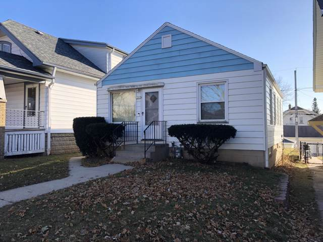 2247 E Vollmer Ave, Milwaukee, WI 53207 (#1670012) :: Tom Didier Real Estate Team