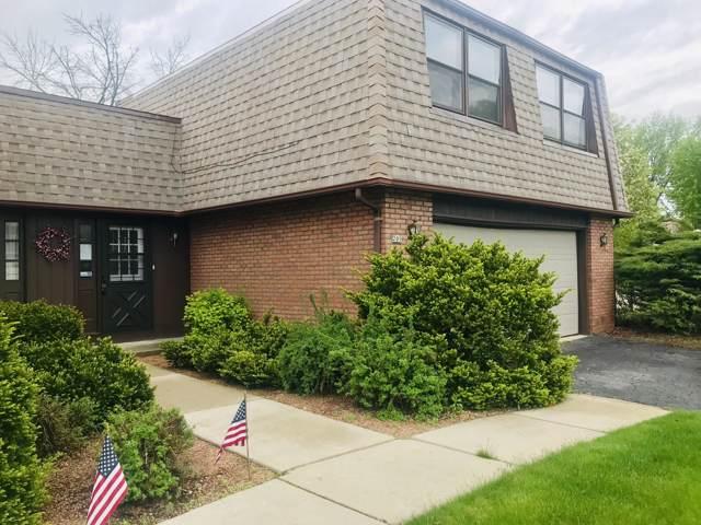 201 W Oak St, Grafton, WI 53024 (#1670025) :: Tom Didier Real Estate Team