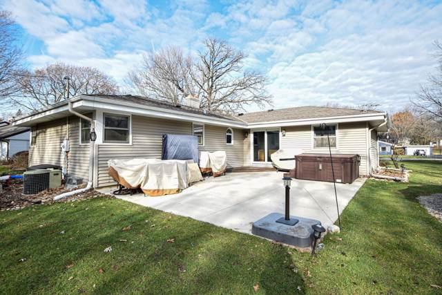 11921 W Elmwood Dr, Franklin, WI 53132 (#1670027) :: Keller Williams Realty - Milwaukee Southwest