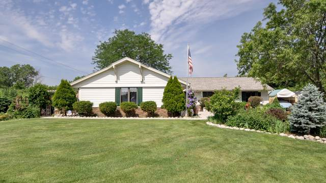 7867 S 83rd St, Franklin, WI 53132 (#1670117) :: Keller Williams Realty - Milwaukee Southwest