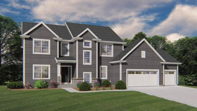 8975 W Eagle Ct, Mequon, WI 53097 (#1670216) :: Tom Didier Real Estate Team