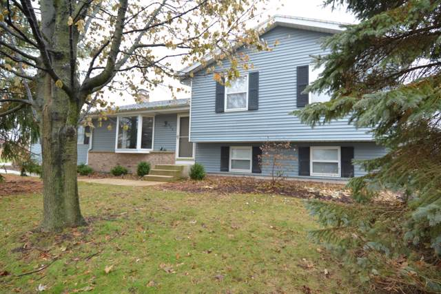 525 S Colonial Pkwy, Saukville, WI 53080 (#1670231) :: Tom Didier Real Estate Team