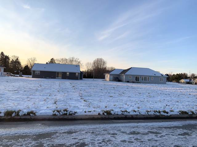 1510 Woodcrest St Lt25, Howards Grove, WI 53083 (#1670239) :: RE/MAX Service First
