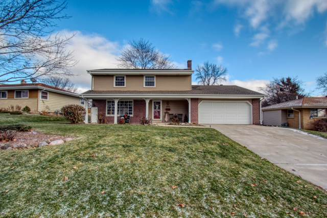 W185N8968 Saint James Dr, Menomonee Falls, WI 53051 (#1670262) :: RE/MAX Service First Service First Pros