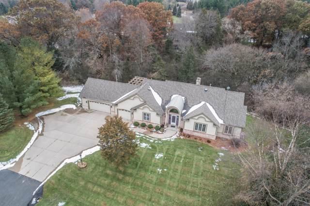 368 Johns St, Delafield, WI 53018 (#1670299) :: Keller Williams Realty - Milwaukee Southwest