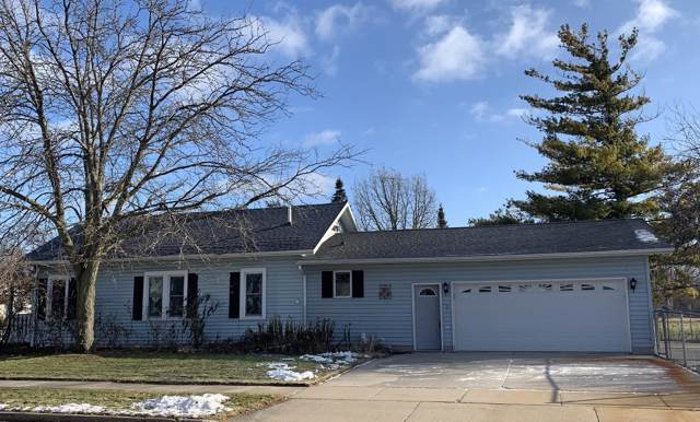 439 Illinois Ave, North Fond Du Lac, WI 54937 (#1670310) :: Tom Didier Real Estate Team