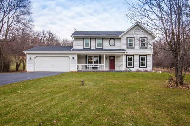 N2W31526 Scuppernong Valley Ct., Delafield, WI 53018 (#1670330) :: Keller Williams Realty - Milwaukee Southwest