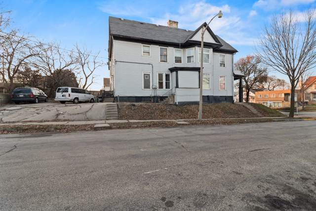 3201 W National Ave, Milwaukee, WI 53215 (#1670361) :: Tom Didier Real Estate Team