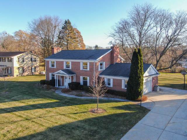 13005 Wrayburn Rd, Elm Grove, WI 53122 (#1670387) :: RE/MAX Service First Service First Pros
