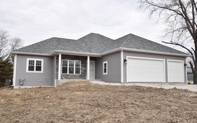 3380 E Oakwood Rd, Oak Creek, WI 53154 (#1670473) :: Keller Williams Realty - Milwaukee Southwest