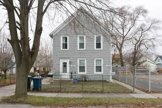 1936 Hickory Grove Ave, Racine, WI 53403 (#1670629) :: Keller Williams Momentum