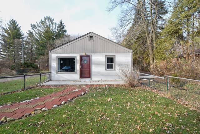 9635 S Nicholson Rd, Oak Creek, WI 53154 (#1670656) :: Keller Williams Realty - Milwaukee Southwest