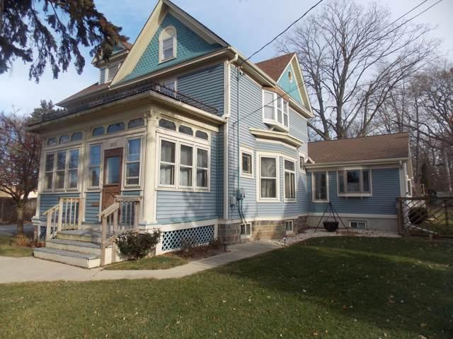 1003 N Chicago Ave, South Milwaukee, WI 53172 (#1670671) :: Keller Williams Realty - Milwaukee Southwest