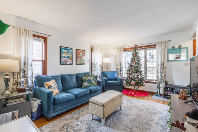 2904 S Clement Ave, Milwaukee, WI 53207 (#1670693) :: Keller Williams Realty - Milwaukee Southwest
