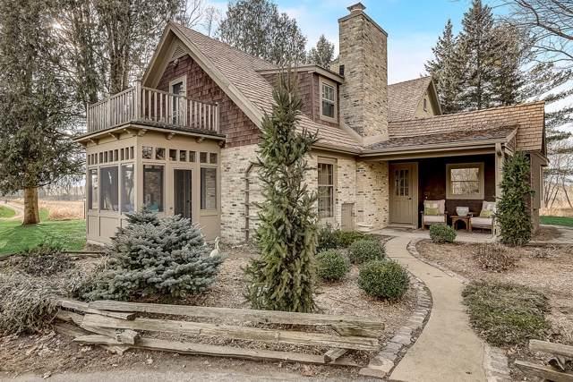 2510 W Hawthorne Dr, Saukville, WI 53080 (#1671123) :: Tom Didier Real Estate Team
