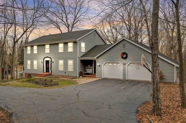 475 Bluebird Cir, Cedarburg, WI 53012 (#1671305) :: Tom Didier Real Estate Team