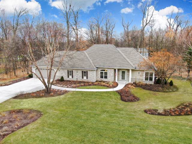 610 Toldt Forest Ct, Brookfield, WI 53045 (#1671483) :: RE/MAX Service First Service First Pros