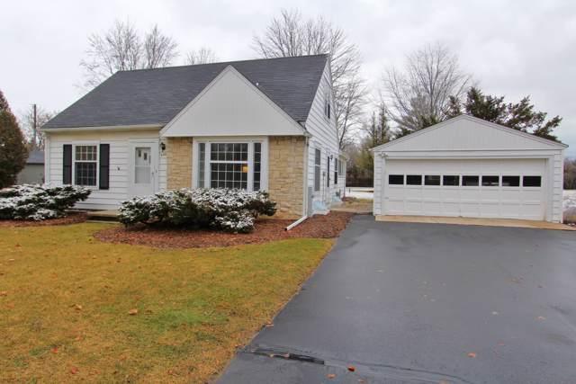 550 N Riverside Dr, Saukville, WI 53080 (#1671530) :: Tom Didier Real Estate Team