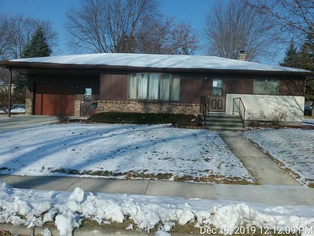 2204 Hickory Ln, New Holstein, WI 53061 (#1672039) :: RE/MAX Service First Service First Pros