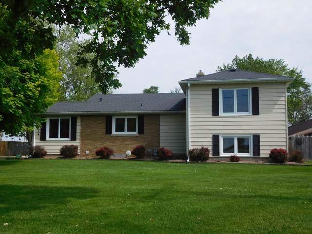 1414 15th Ave, Union Grove, WI 53182 (#1672257) :: RE/MAX Service First Service First Pros