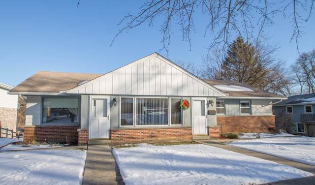 339 E Wisconsin Ave, Pewaukee, WI 53072 (#1672378) :: RE/MAX Service First Service First Pros