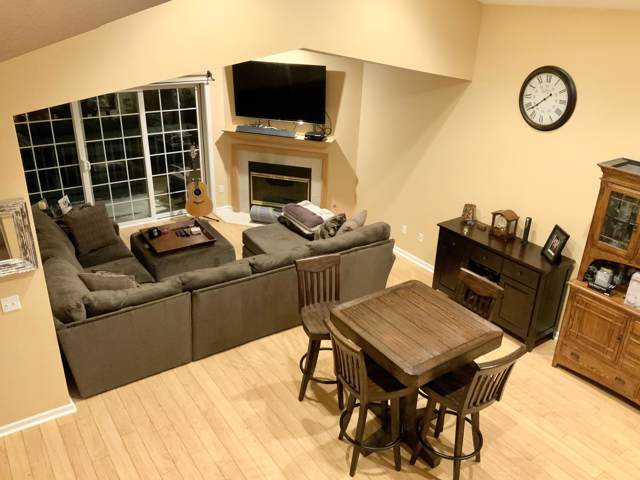 N16W26549 Wild Oats Dr G, Pewaukee, WI 53072 (#1672411) :: RE/MAX Service First Service First Pros