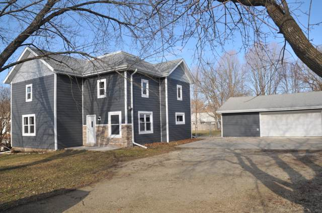 W120 County Road D, Spring Prairie, WI 53105 (#1672549) :: RE/MAX Service First Service First Pros