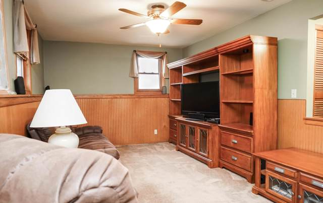 7740 S Manitowoc Ave, Oak Creek, WI 53154 (#1672683) :: RE/MAX Service First Service First Pros