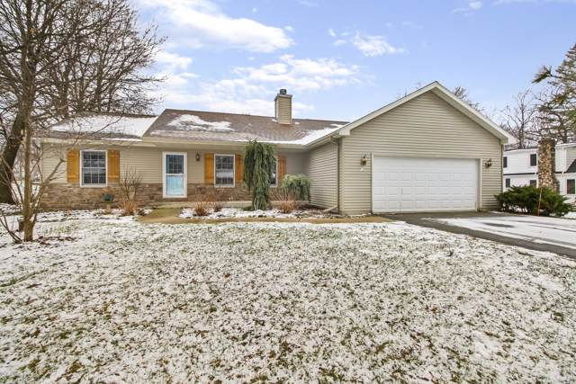 121 Hillview Rd, Delavan, WI 53191 (#1672693) :: RE/MAX Service First