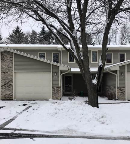 180 Country Ct #3, Delafield, WI 53018 (#1672905) :: RE/MAX Service First Service First Pros