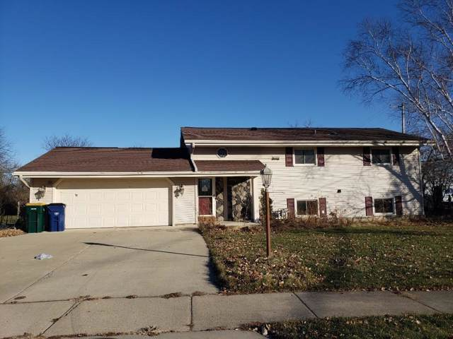650 E Parkway Estates Dr, Oak Creek, WI 53154 (#1672958) :: RE/MAX Service First Service First Pros