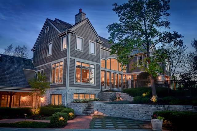 7250 W Highland Ridge Dr, Mequon, WI 53092 (#1673039) :: Tom Didier Real Estate Team