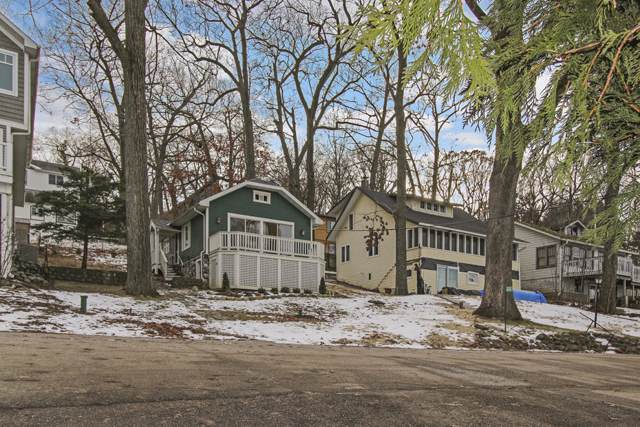 W4155 Lakeview Rd, Linn, WI 53147 (#1673086) :: RE/MAX Service First Service First Pros