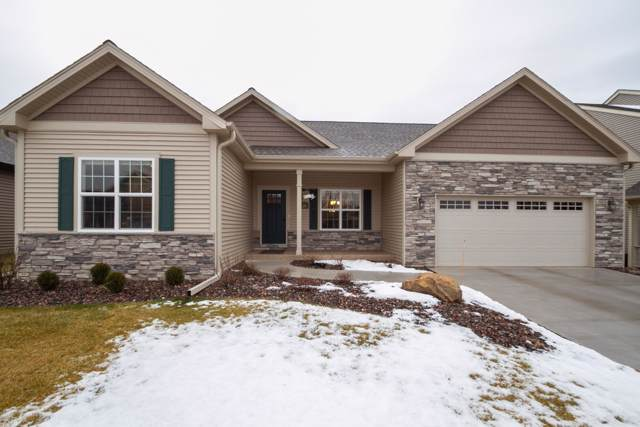 226 Summerhaven Ln, Lake Geneva, WI 53147 (#1673213) :: RE/MAX Service First Service First Pros