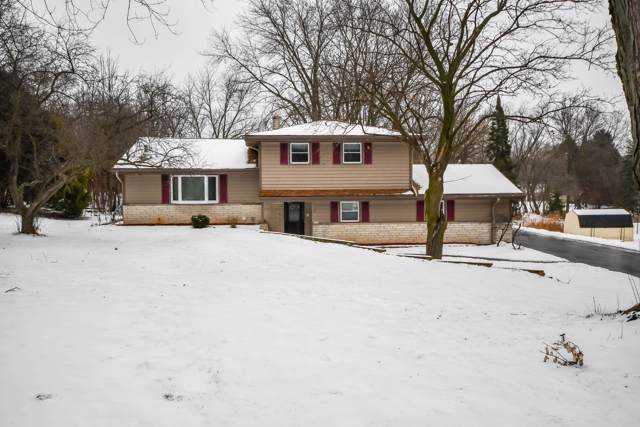 1580 Helene Dr, Brookfield, WI 53045 (#1673232) :: RE/MAX Service First Service First Pros