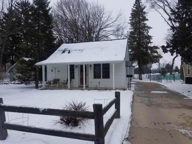 602 Jackson St, West Bend, WI 53090 (#1673233) :: RE/MAX Service First Service First Pros