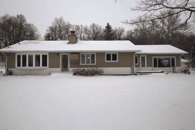W5325 Highway 151, Chilton, WI 53014 (#1673258) :: RE/MAX Service First Service First Pros