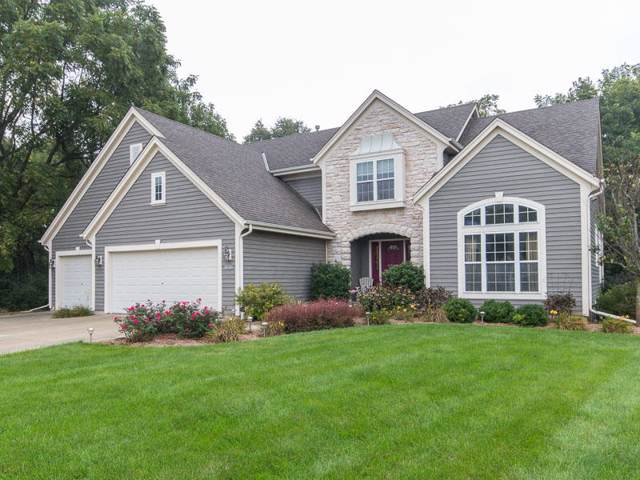 12815 W Peachtree Dr, New Berlin, WI 53151 (#1673266) :: RE/MAX Service First Service First Pros