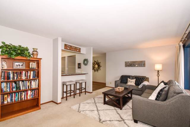 1617 Dover Dr #2, Waukesha, WI 53186 (#1673269) :: RE/MAX Service First Service First Pros