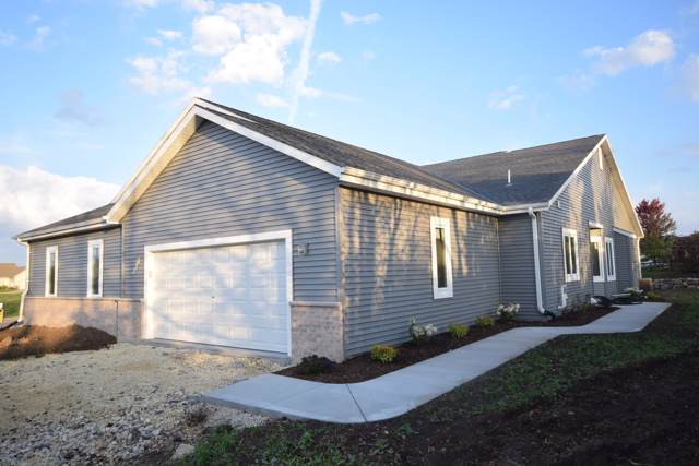 W206N16134 Stonebrook Dr, Jackson, WI 53037 (#1673410) :: Tom Didier Real Estate Team