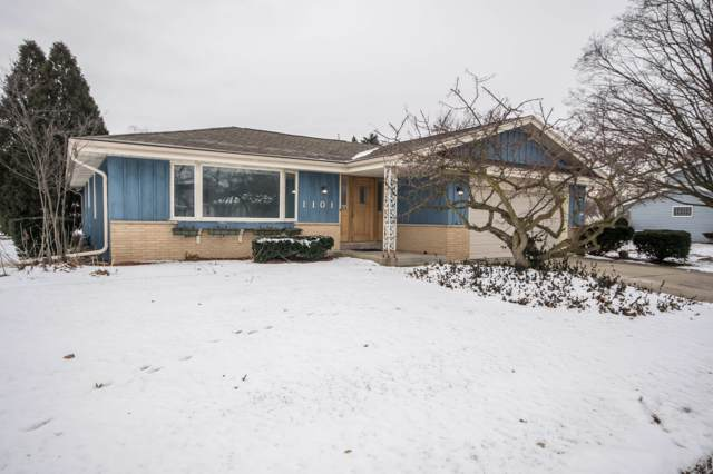 1101 Dogwood Ln, Waukesha, WI 53189 (#1673423) :: RE/MAX Service First Service First Pros