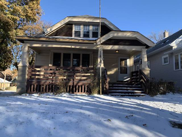 2576 N 50th St, Milwaukee, WI 53210 (#1673588) :: RE/MAX Service First Service First Pros