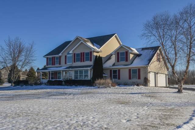 1260 S Opengate Ct, Summit, WI 53066 (#1673589) :: RE/MAX Service First Service First Pros