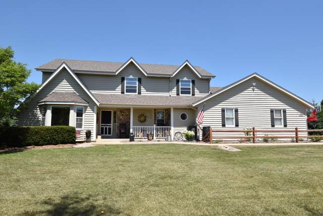 S24W36044 Countryside Ct, Ottawa, WI 53118 (#1673658) :: RE/MAX Service First