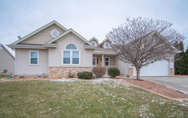 7927 Golden Bay Trl, Waterford, WI 53185 (#1673740) :: RE/MAX Service First Service First Pros