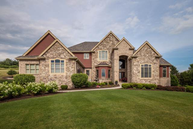 1002 Cypress Ct, Hartland, WI 53029 (#1673796) :: RE/MAX Service First