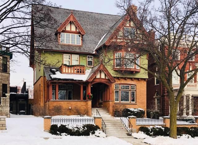 2014 E Lafayette Pl, Milwaukee, WI 53202 (#1674030) :: Tom Didier Real Estate Team