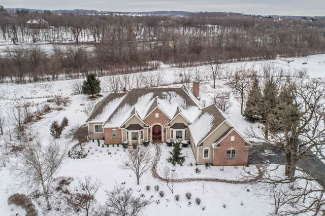 N75W27867 Summerstone Rd, Merton, WI 53029 (#1674047) :: RE/MAX Service First Service First Pros
