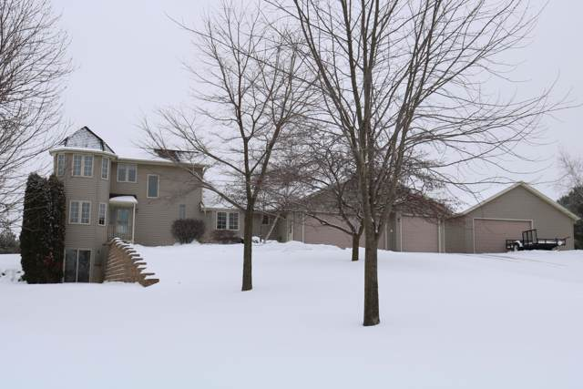 N9132 Donald Ln, Watertown, WI 53094 (#1674245) :: RE/MAX Service First Service First Pros